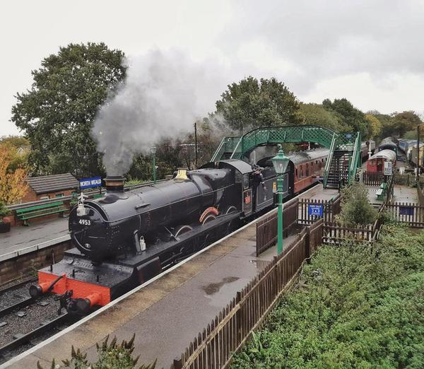 Steam locomotive Pitchford Hall at North Weald station