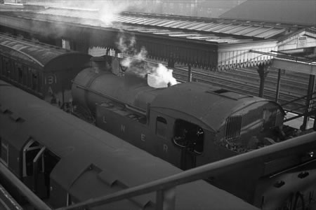 Last day of Steam at Woodford Station, 21/11/1948 (Photographed by D. Kelley)