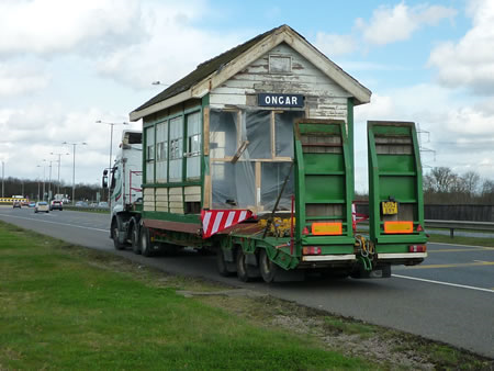 Ongar Signalbox on the move
